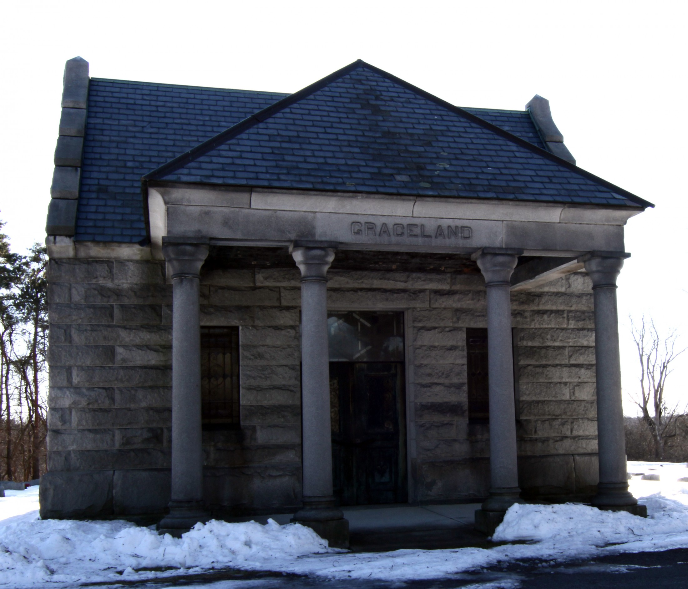 Mausoleum Graceland in the Winter